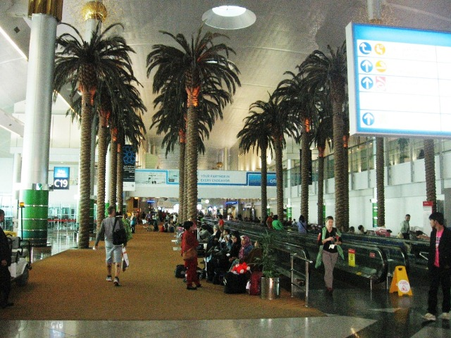 стыковка в аэропорту Дубая