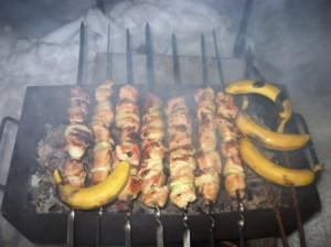 шашлык с бананами