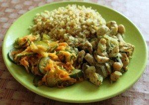 Салат из жареных огурцов с морковью
