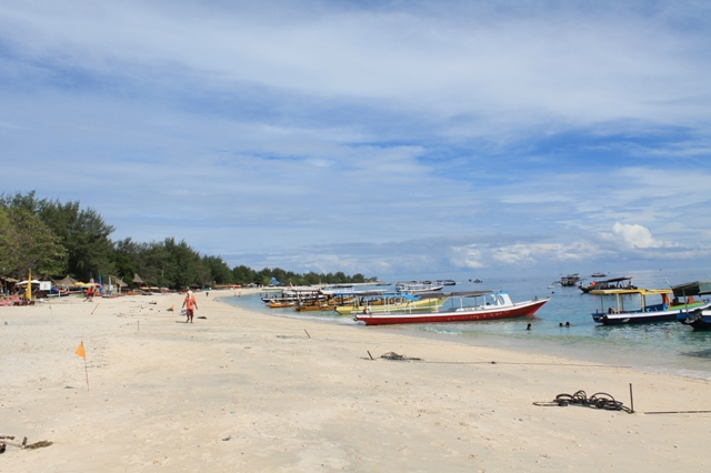 Пляж на Гили Траванган
