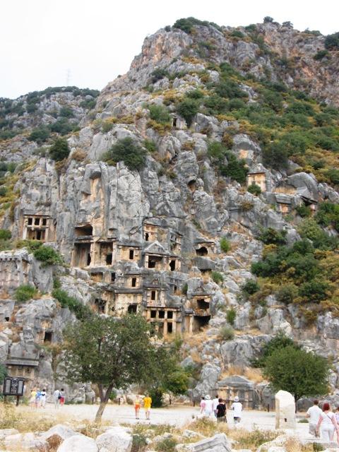 Турция скальные гробницы