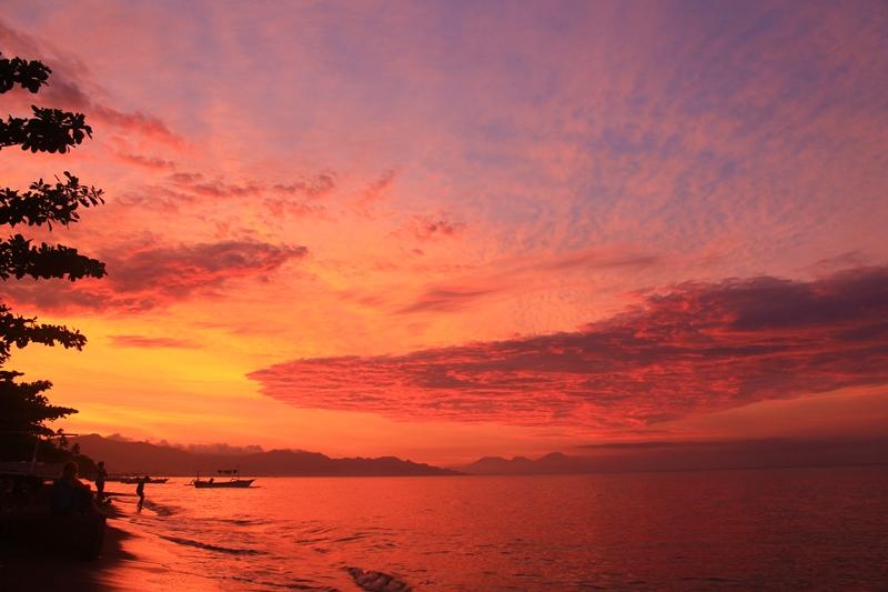 закат Ловина Бали Индонезия