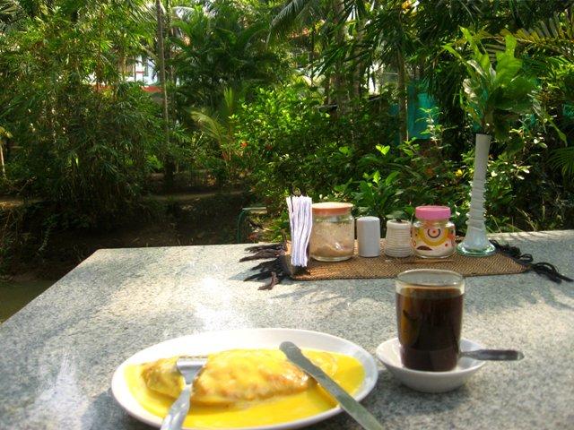 фруктовая чапати в кафе около аура
