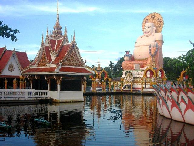 Храм Ват Плай Лем