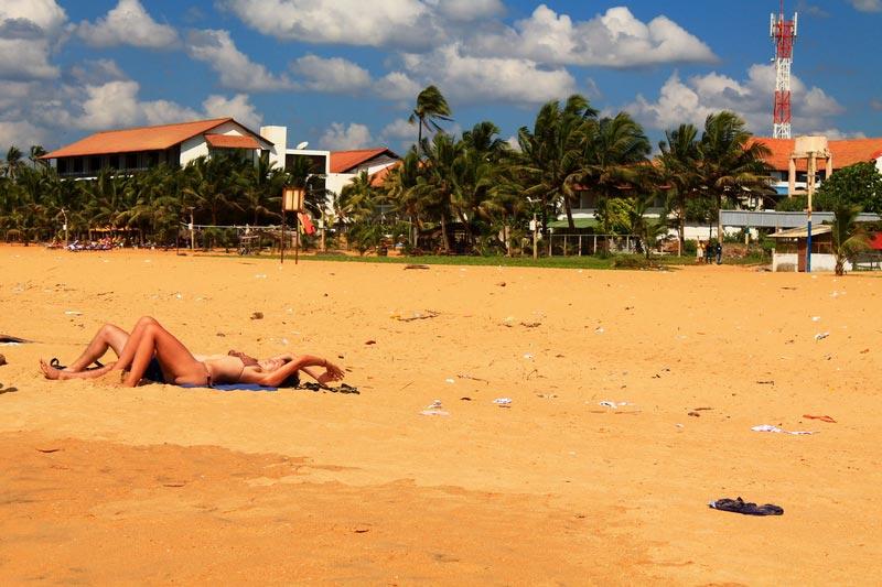 городской пляж в негомбо
