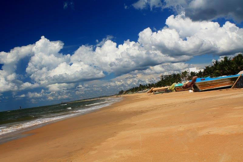 пляж в негомбо шри ланка