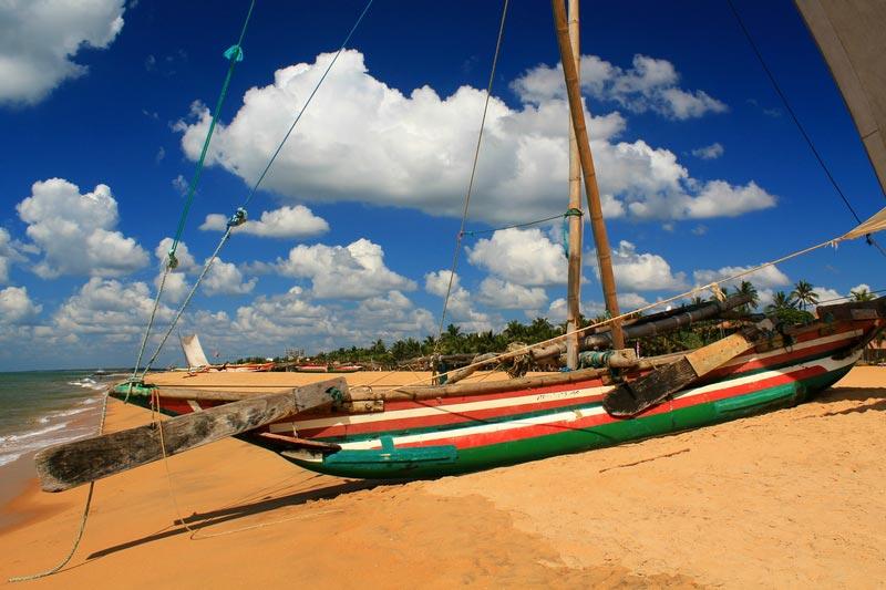 хороший пляж в негомбо