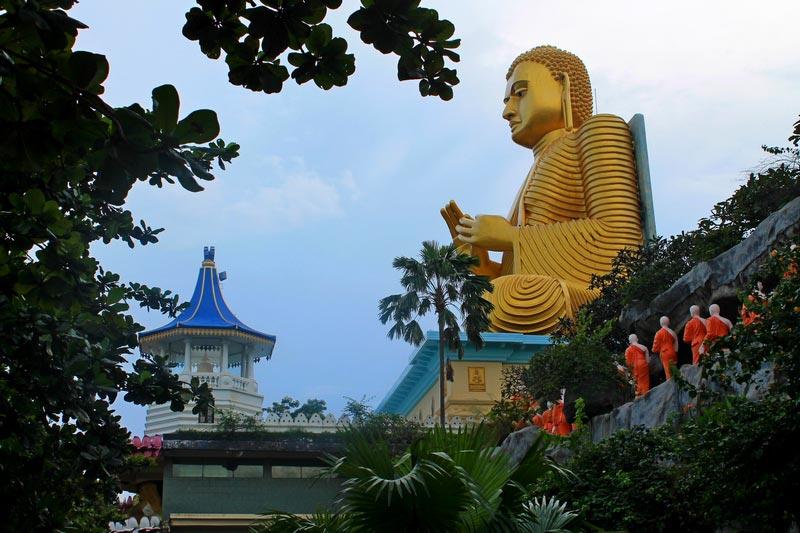 шри ланка золотой храм дамбулы