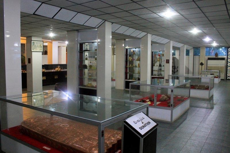 музей золотой храм дамбуллы фото