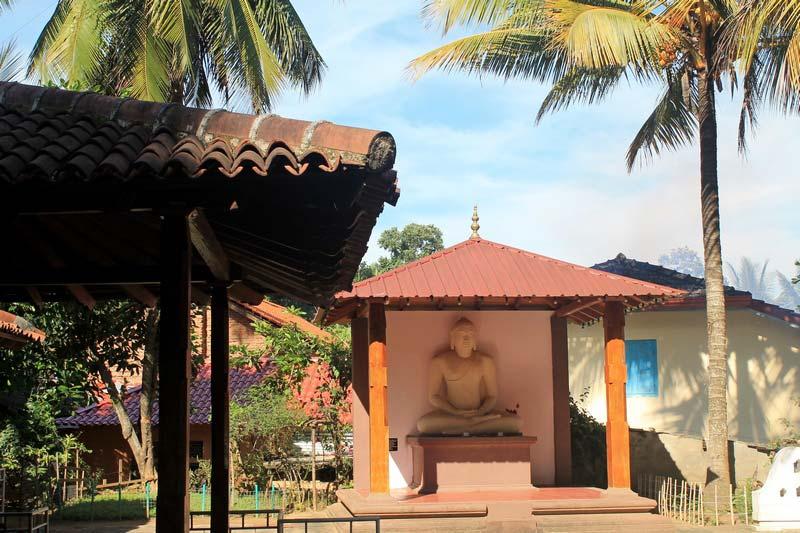 шри-ланка-канди--монастырь-18