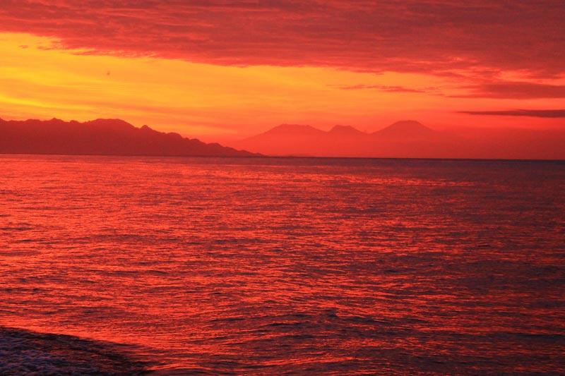 11б индонезия фото закат в море