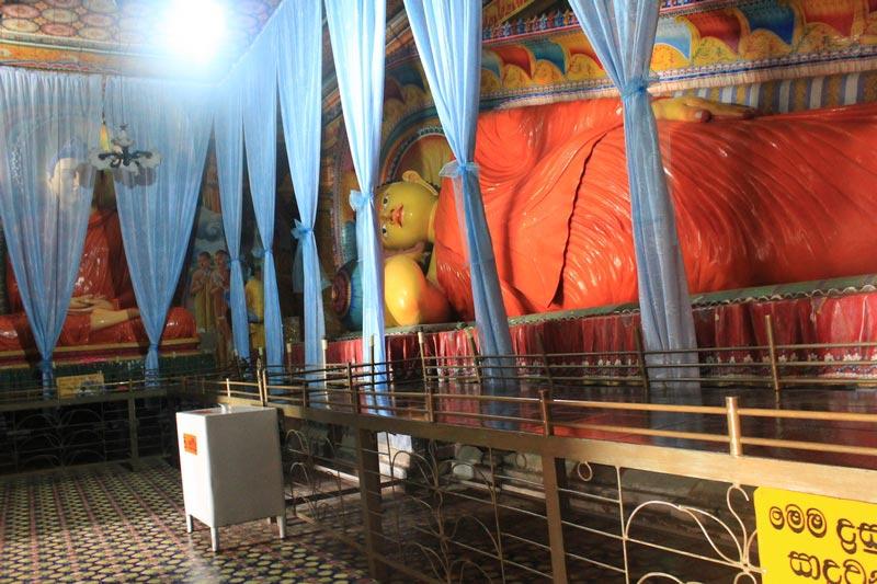 5б-буддистский-храм-нувара-элия
