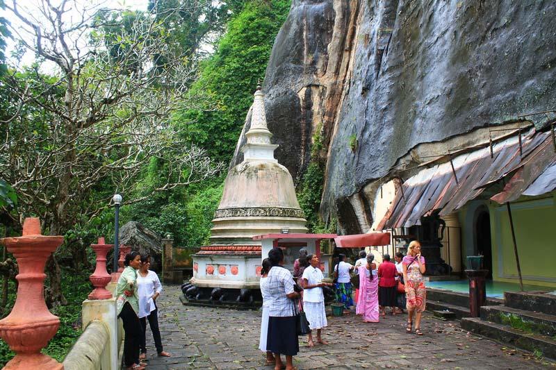 11-пещерный-храм