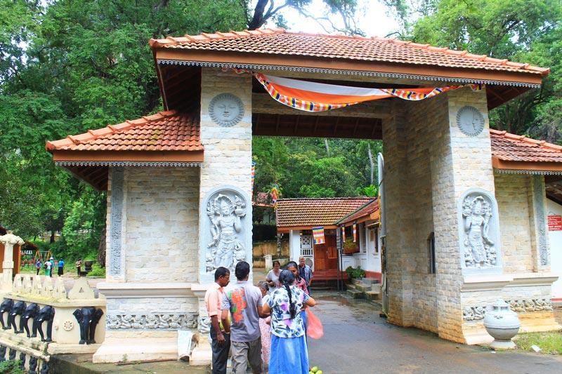 6-Пещерный-храм-вход-Мулкиригала
