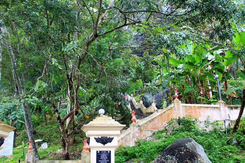 9-пещерные-храмы-буддистские