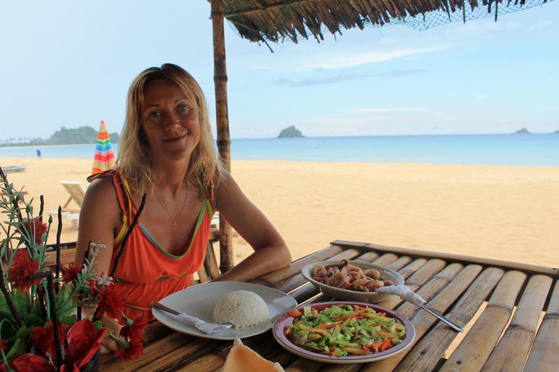 14-эль-нидо-кафе-на-пляже
