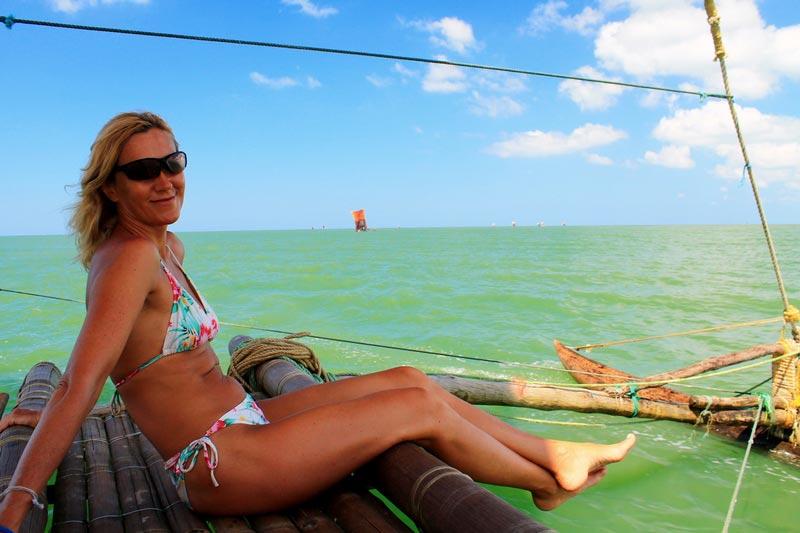 17-женщина-море-лодка
