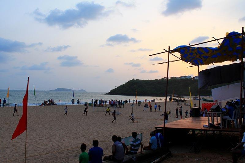 22-пляжный-футбол-в-гоа