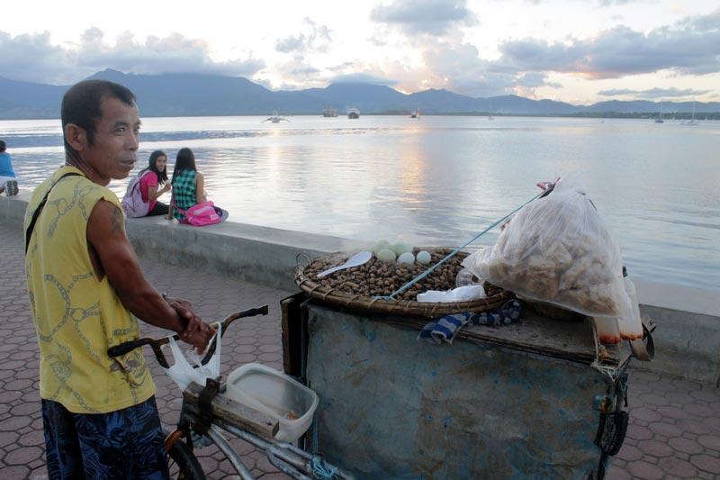 3-филиппины-жареный-арахис