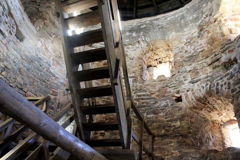 15 лесница крепостной башни