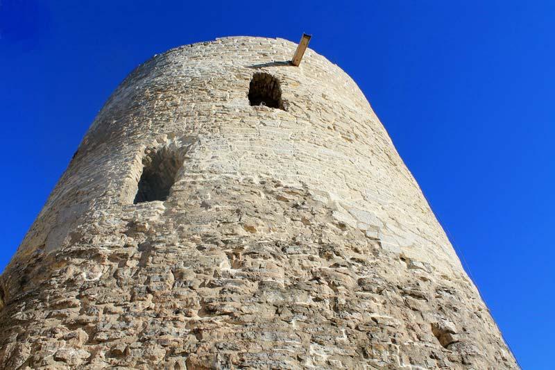 19 крепостная башня изборск