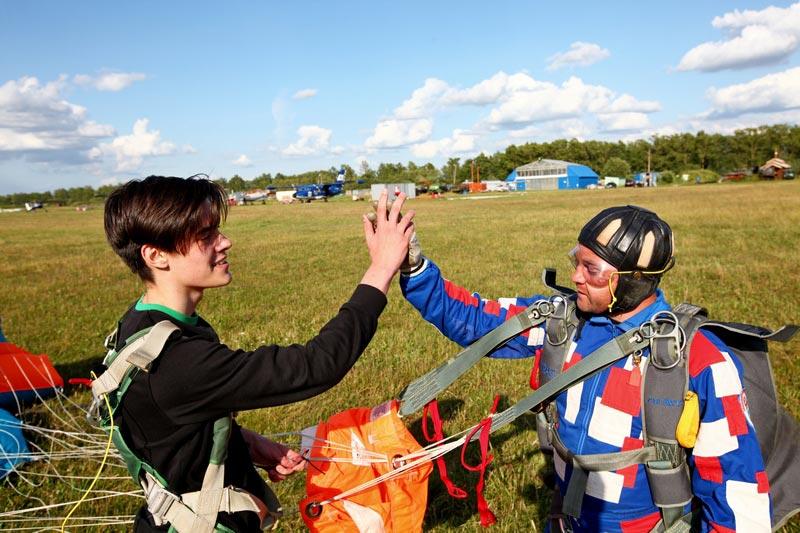 24-парашутисты-приземление