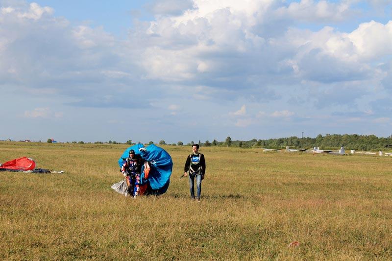 25-парашутисты-приземление