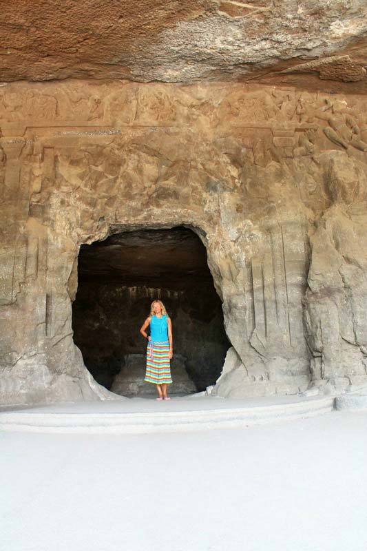 38-вход-в-скальный-храм