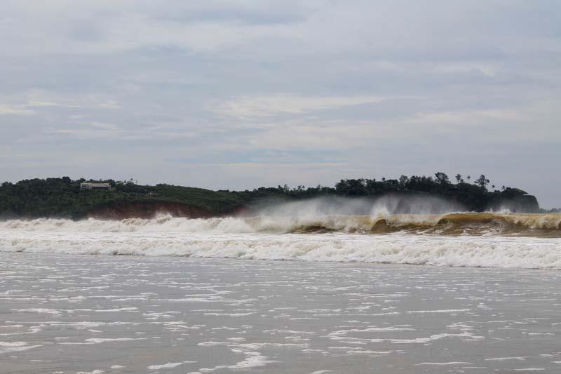 15-волны-пляж-велигама