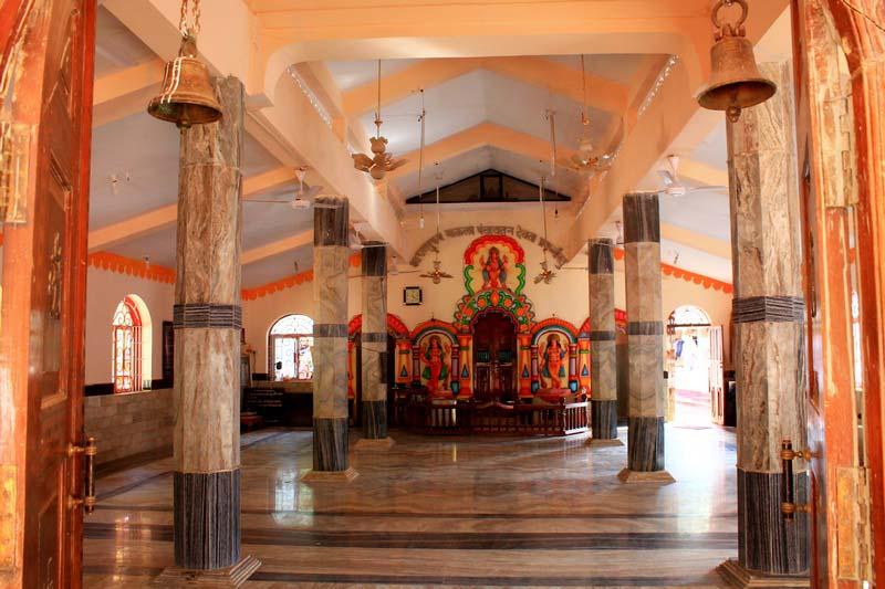 24а-внутри-индуистского-храма