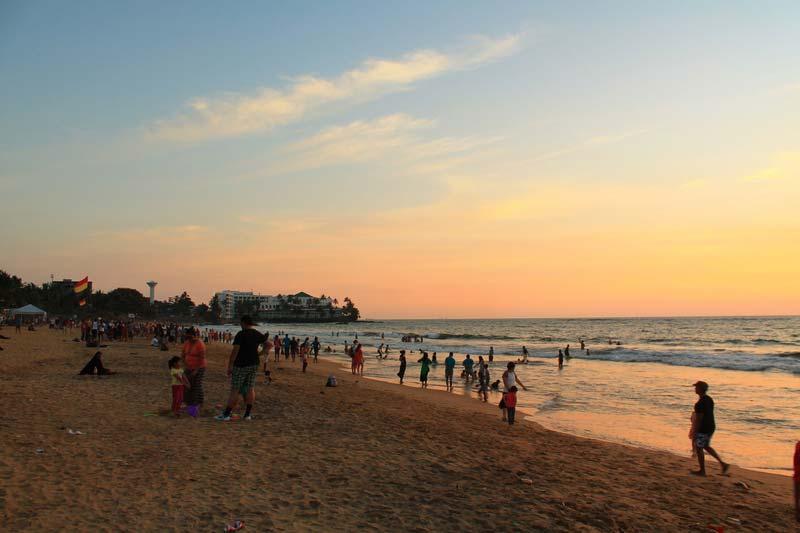 25-пляж-коломбо-вечером