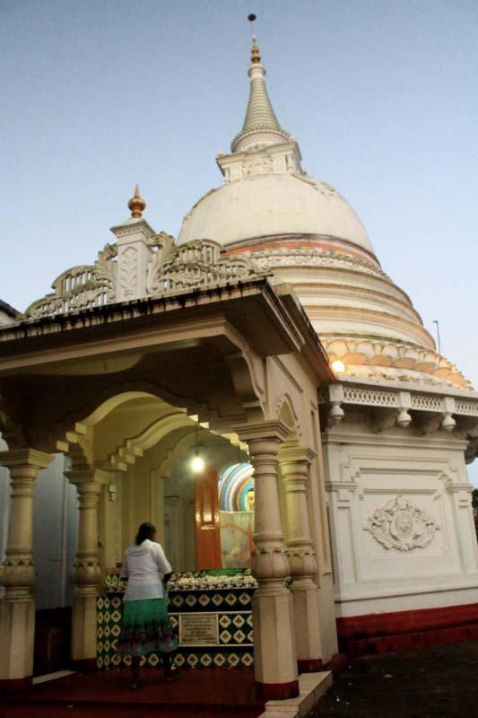 17-храм-канди-вихара