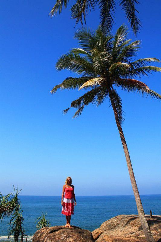 38-девушка-и-пальма