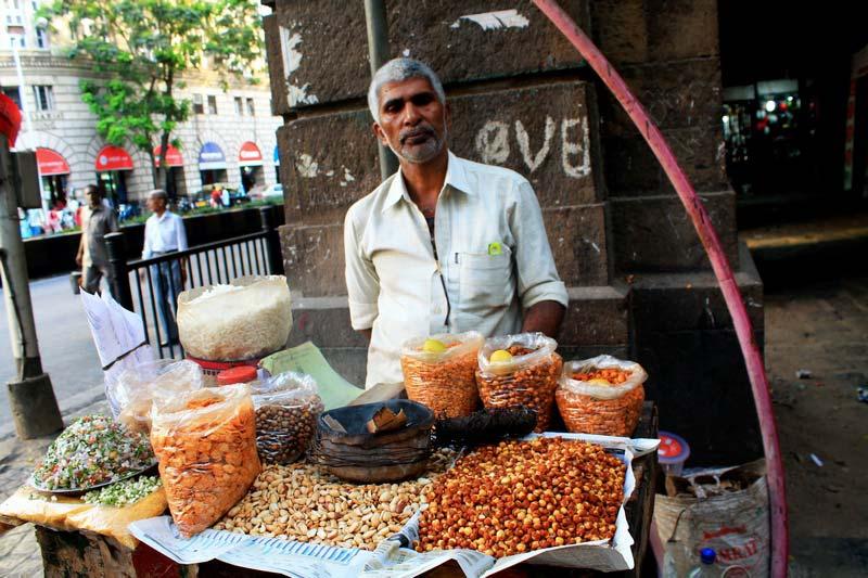 мумбаи-уличные-торговцы