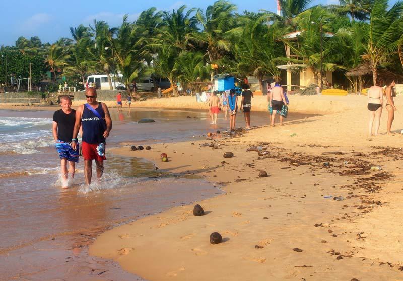 27а-грязь-пляж-хиккадува-фото