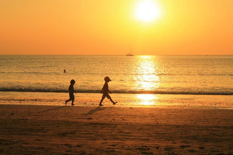 дети-закат-море