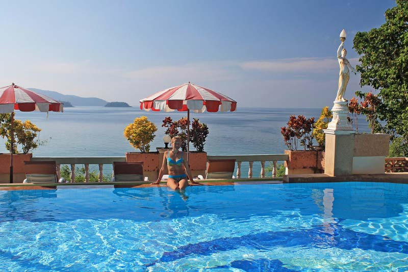 пляж-карон-отель-с-бассейном-2