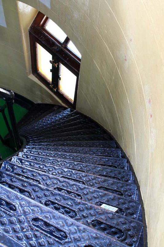 14-лестница-внутри-маяка