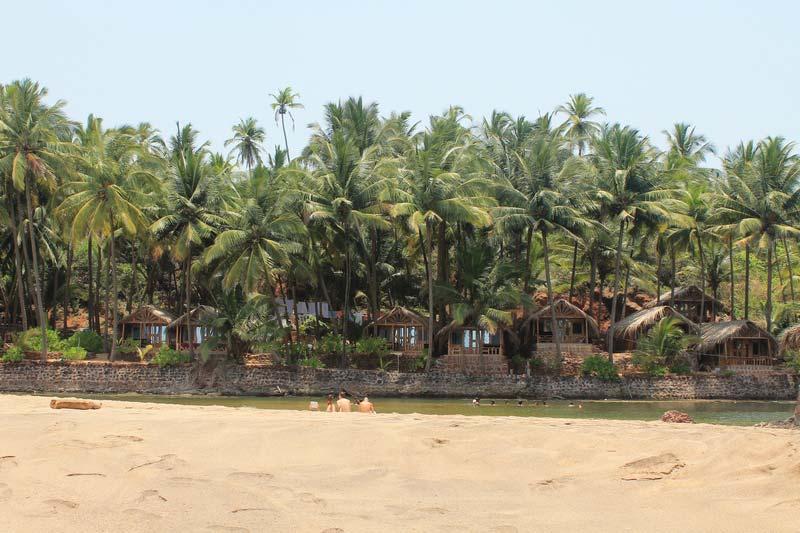 19-кола-пляж-фото-отеля