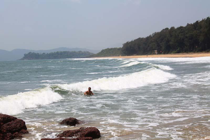 14-купание-ГОА-Пляж-Галджибага