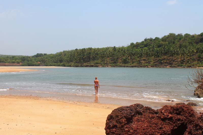 16-ГОА-Пляж-Галджибага-купание