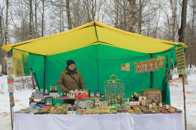 7 сувениры торговый лоток тихвин монастырь