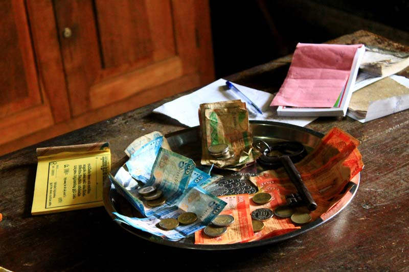 28-деньги-на-тарелке-ключ
