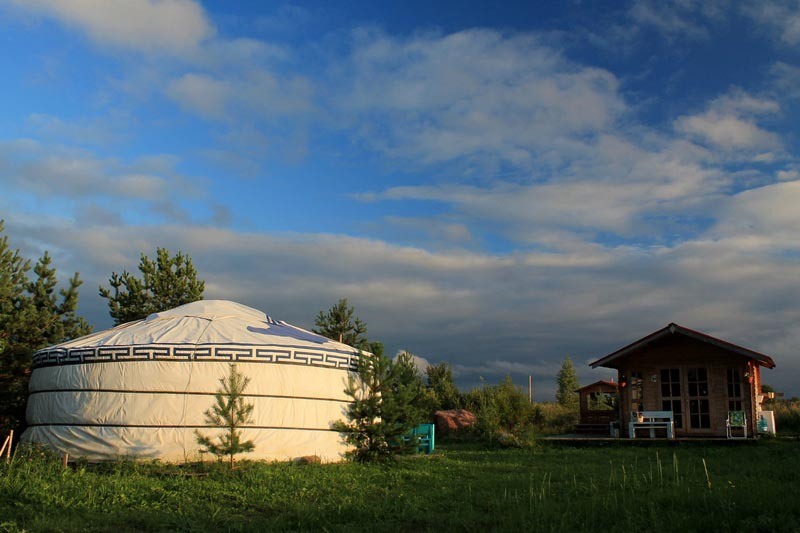 1-mongolskaya-yurta-foto