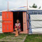 3a-devushka-v-yurte-foto