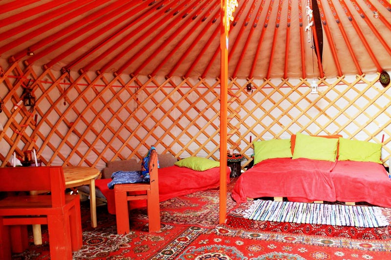 4-yurta-vnutri-foto