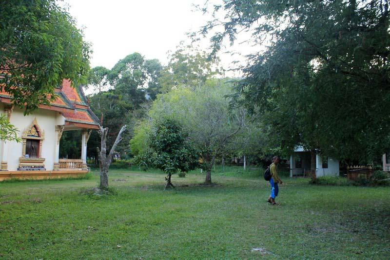 5-buddhist-temple-on-koh-lanta
