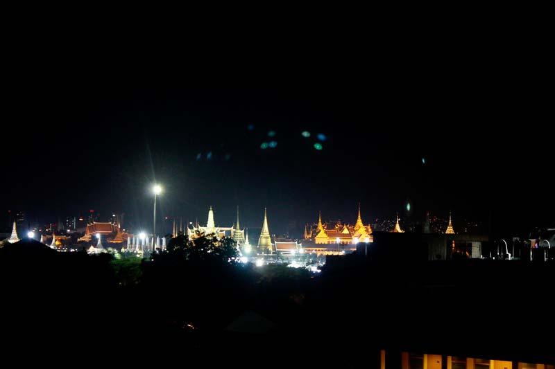 каосан-роуд-бангкок-ночью
