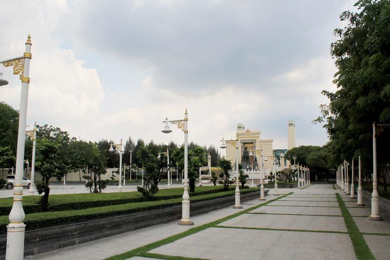 17-мемориал-King-Rama-I