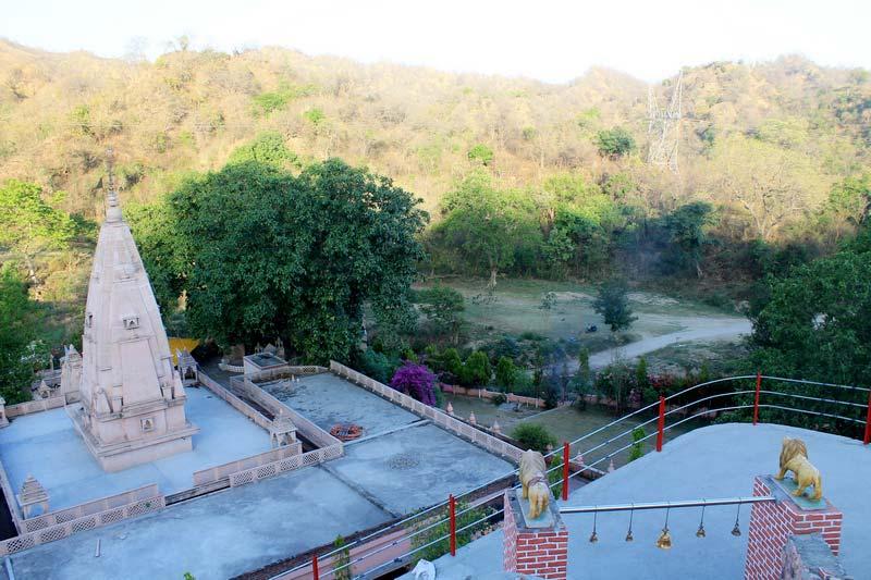 9-Сурешвари-Деви-храм